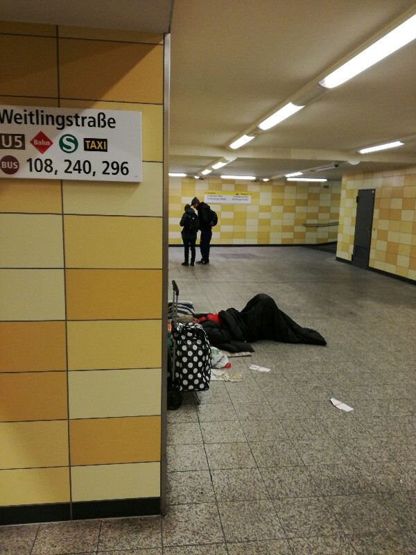Homeless person sleeping in U-Bahn station Berlin (Lichtenberg) - Photo: Stefan Klenke
