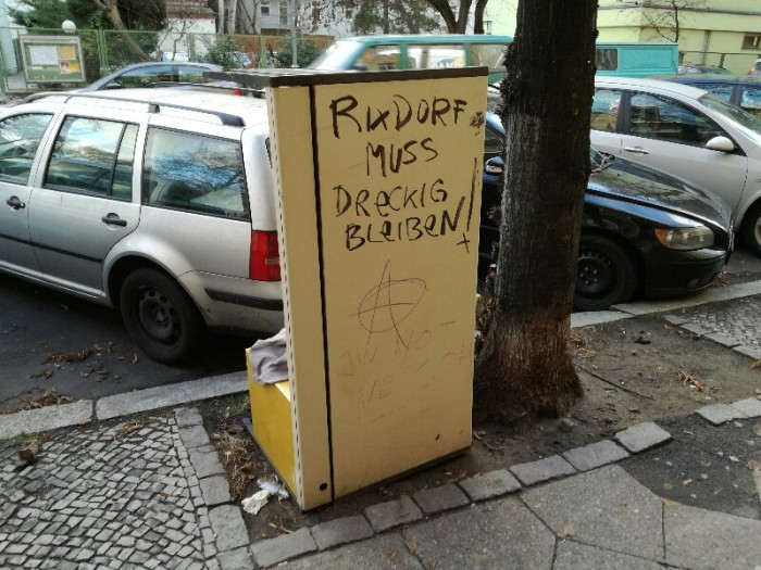 "Graffiti saying ""Rixdorf needs to stay dirty!"" ), Berlin Neukölln, Photo by Stefan Klenke"
