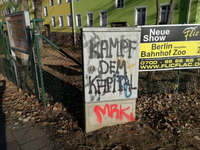 "Graffiti saying ""Fight the Capitslism!"" (Berlin, Treptow, Sonnenallee) - Photo by Stefan Klenke"